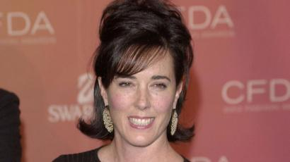 FILE PHOTO: Kate Spade arrives at the Council of Fashion Designers of America awards in New York on June 2, 2003, at the New York Public Library. REUTERS/Chip East/File Photo - RC161008A670