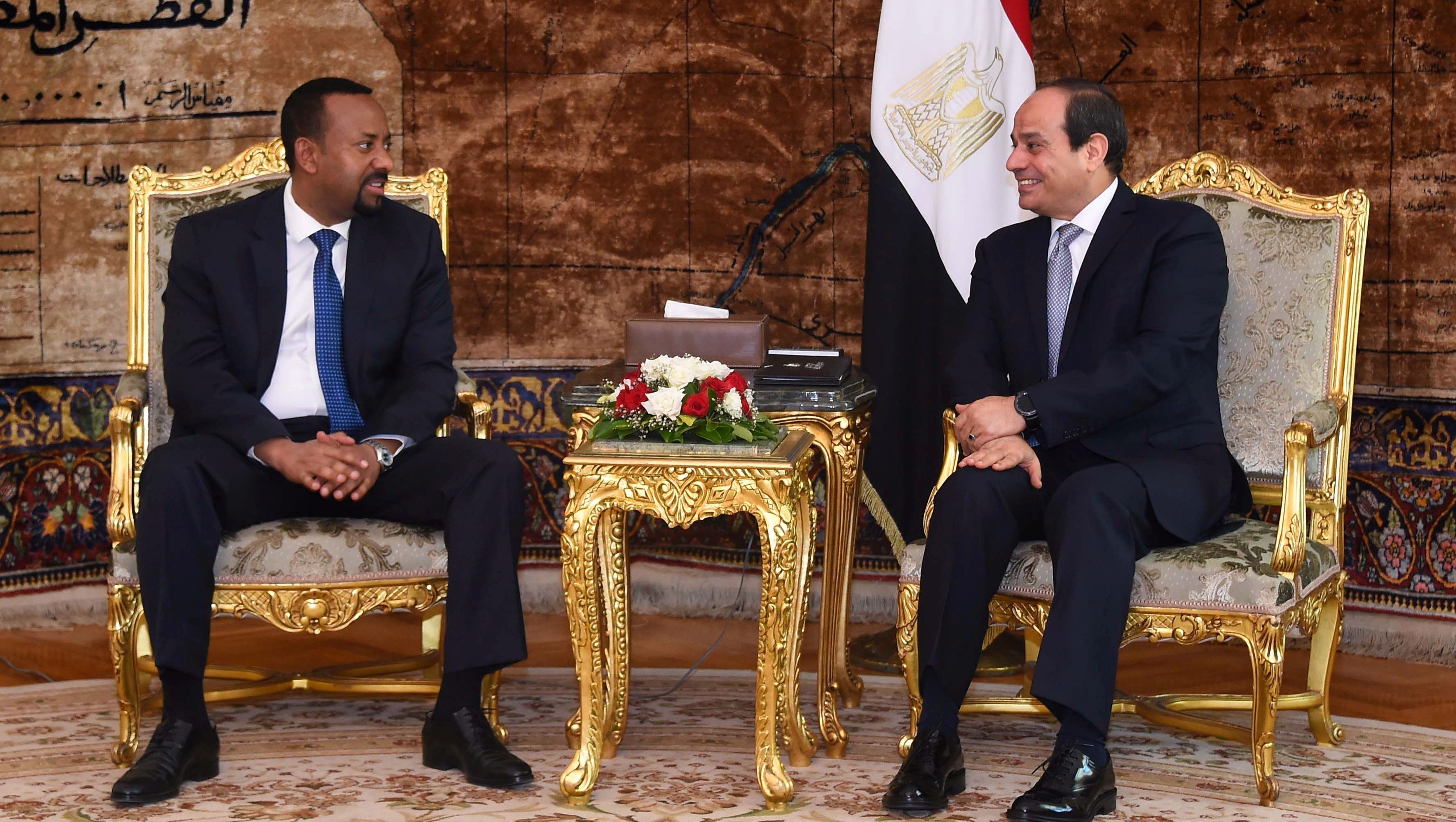 Egyptian President Abdel Fattah al-Sisi (R) meets with Ethiopian Prime Minister Abiy Ahmed at the Ittihadiya presidential palace in Cairo, Egypt, June 10, 2018. in this handout picture courtesy of the Egyptian Presidency. The Egyptian Presidency/Handout via REUTERS ATTENTION EDITORS - THIS IMAGE WAS PROVIDED BY A THIRD PARTY - RC117C687CC0