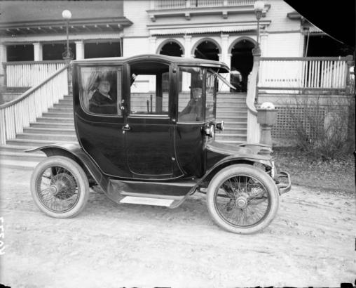 Vintage sexists ads: electrics cars edition — Quartz