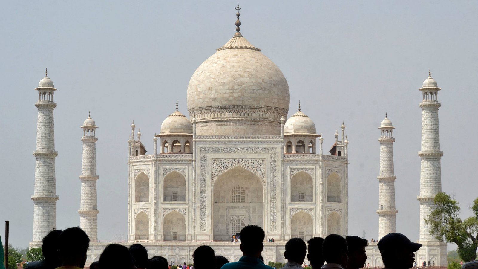 A general view of the India's iconic Taj Mahal in Agra, India, 02 May 2018. According to news reports, Indian top court asked the Indian government to seek foreign help to fix the changing color of the ivory-white marble mausoleum that had turned yellow and was now turning brown and green.