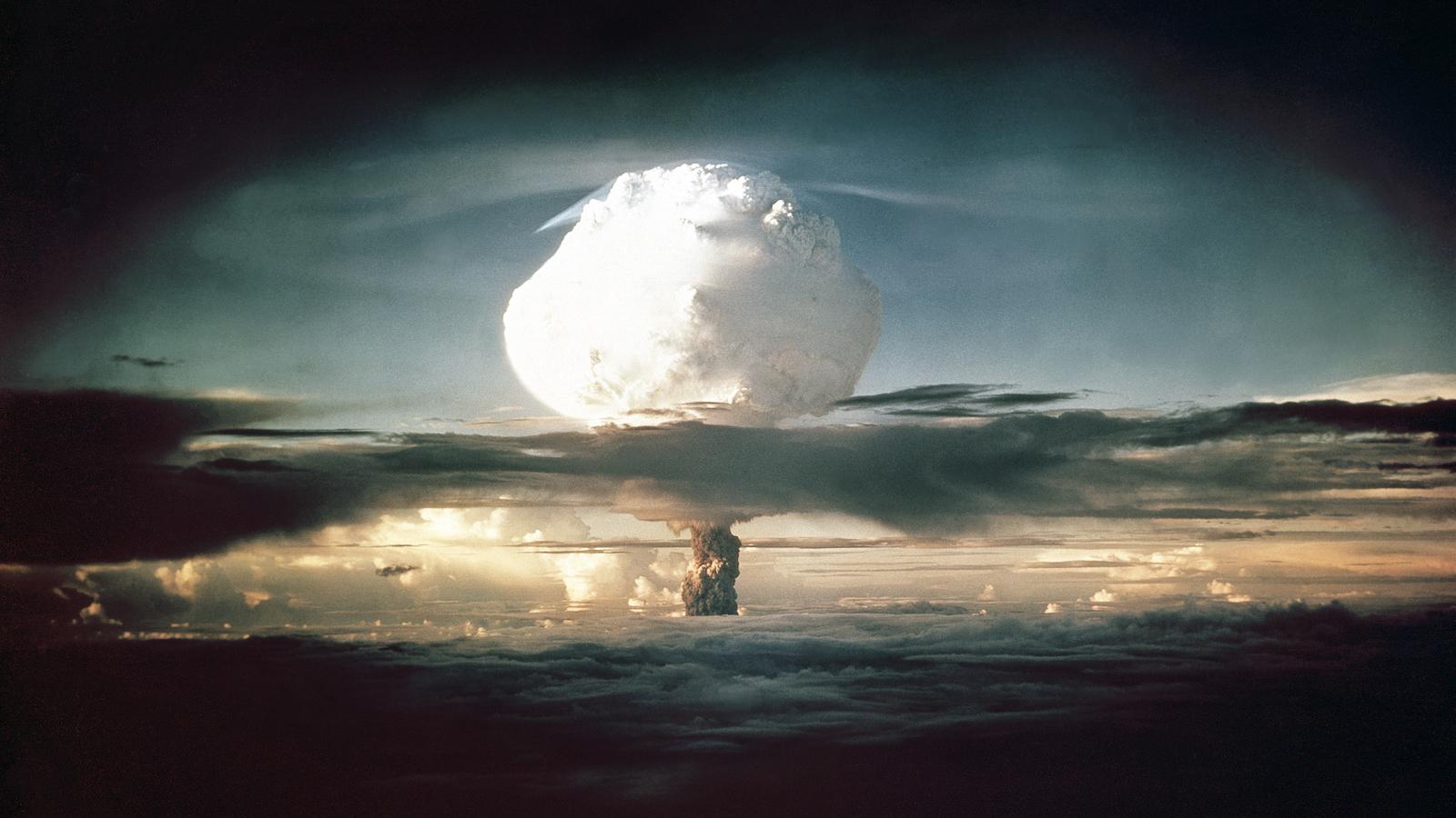 mushroom cloud from nuclear bomb