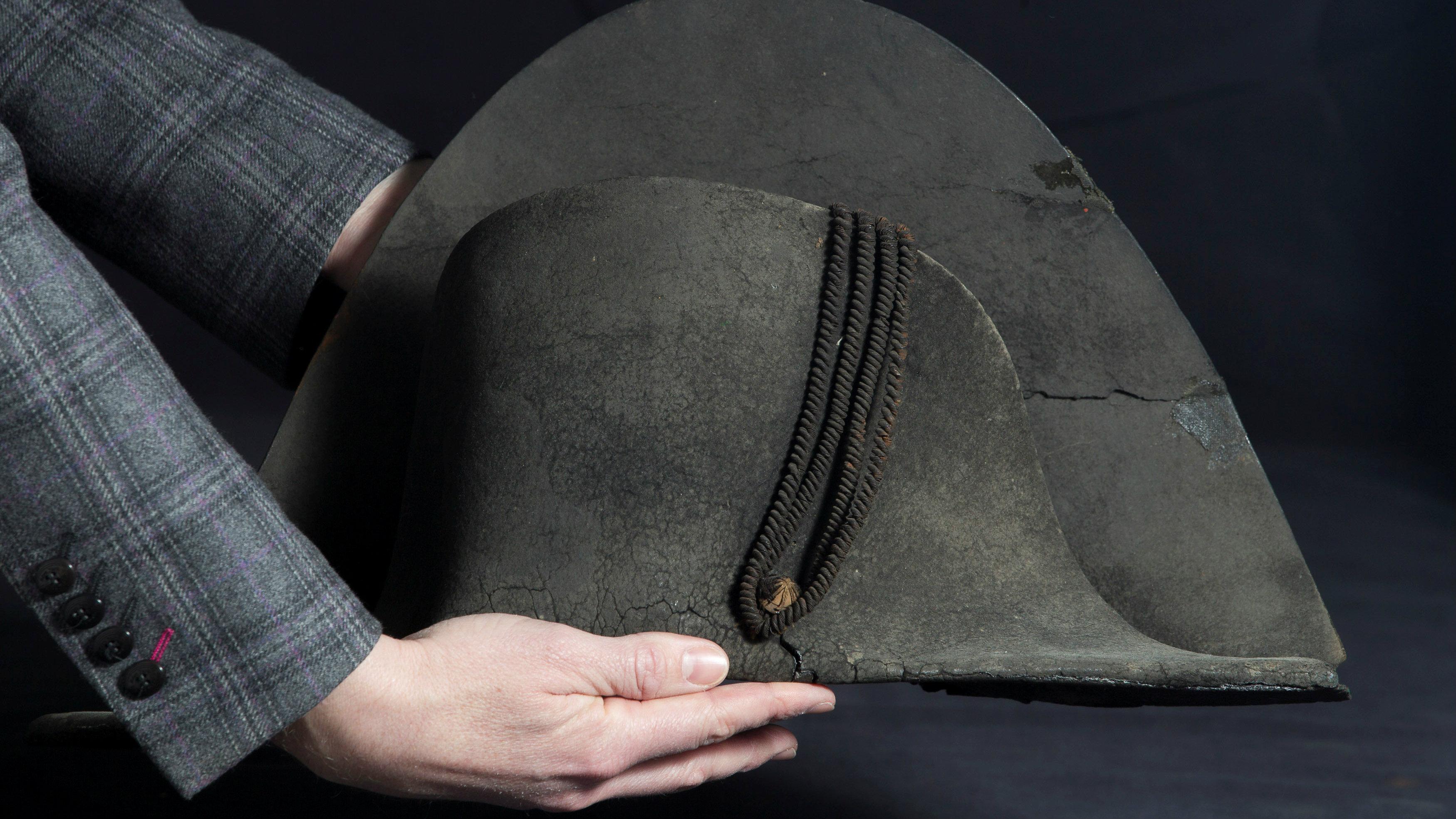 napoleon hat auction1