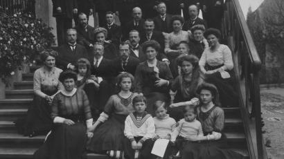 New photos of the Romanov Russian royal family emerge 100