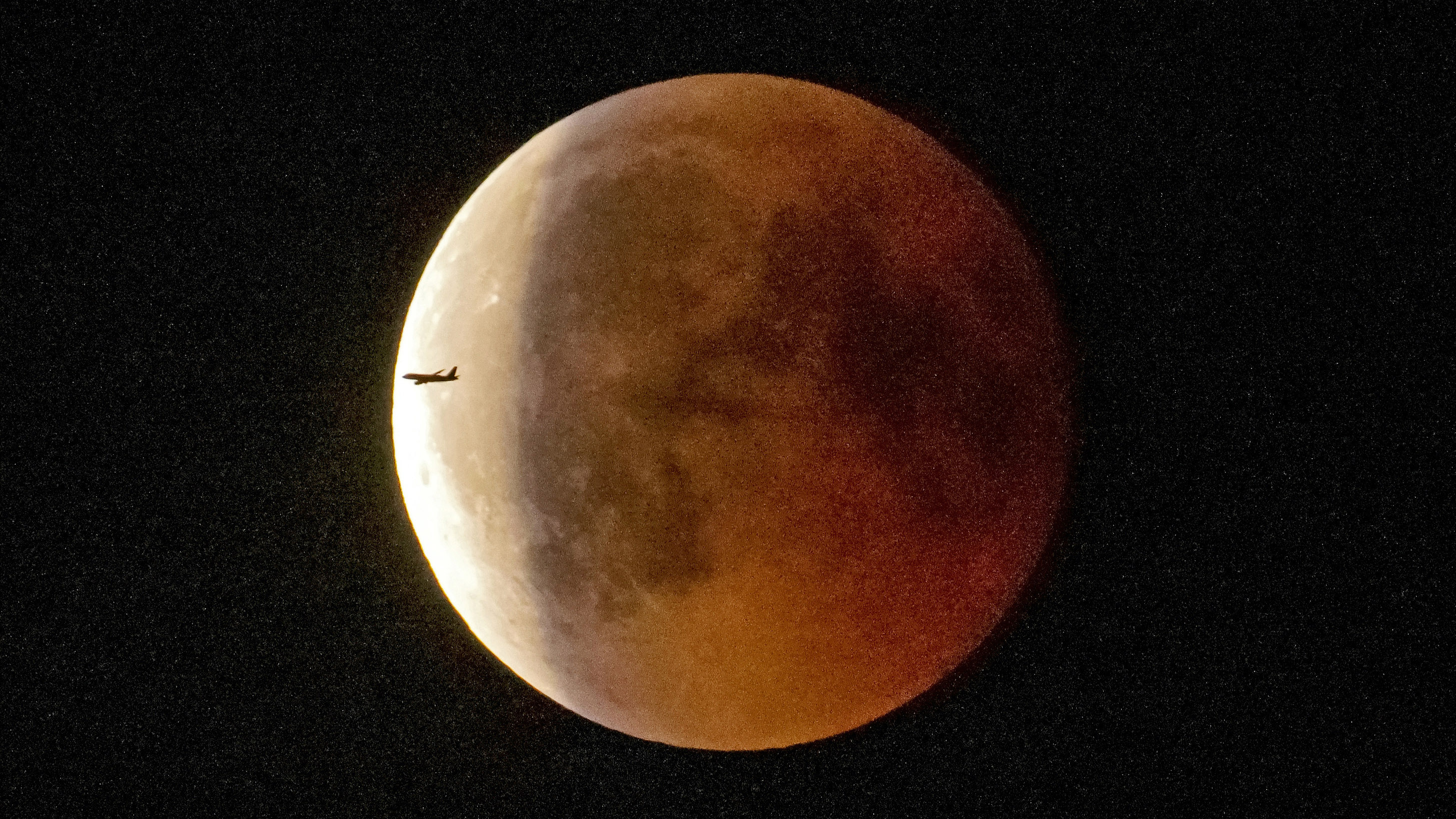 Lunar Eclipse July 2018 Images Of The Super Blood Moon And The