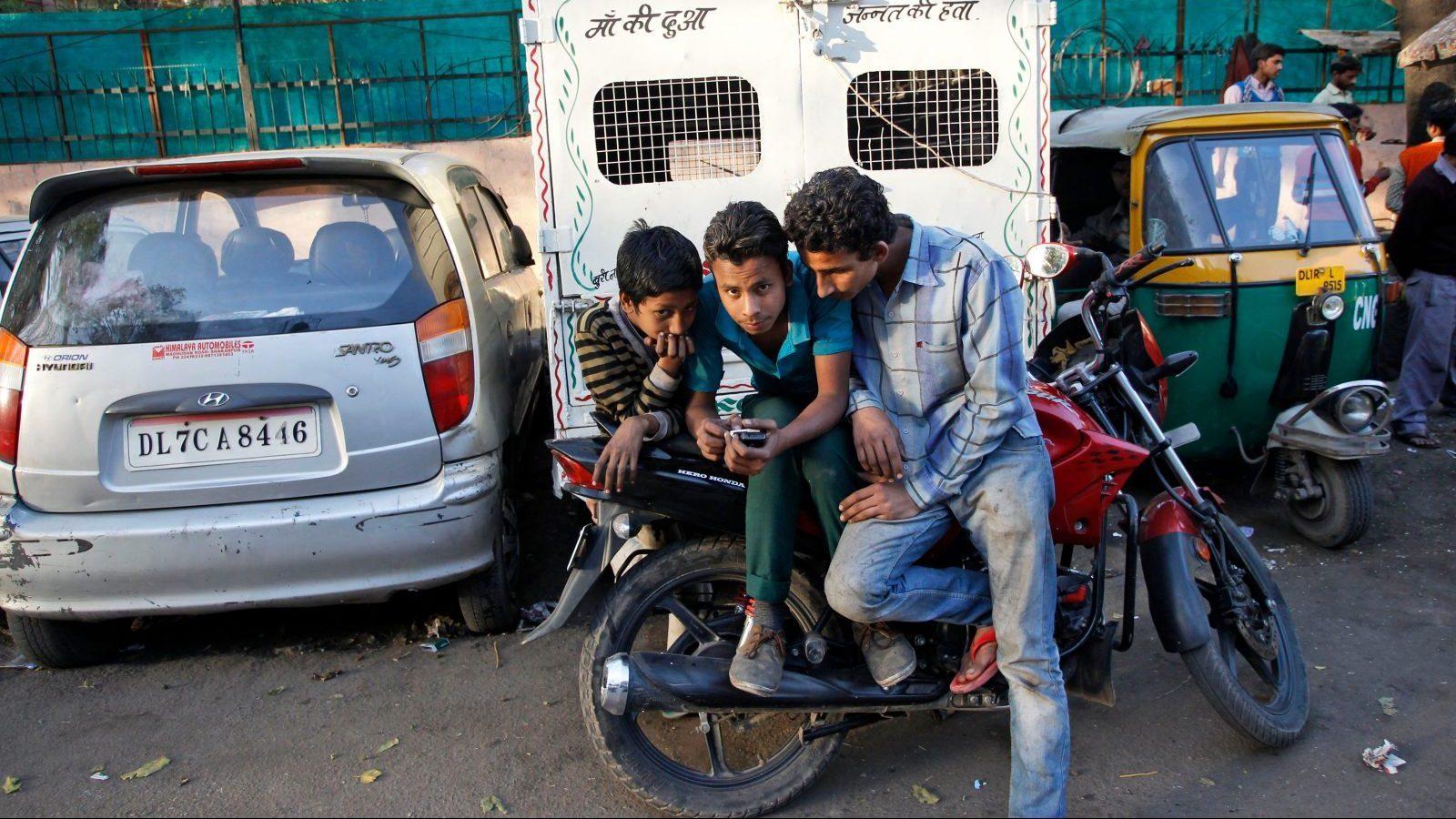 India-mobilephones-