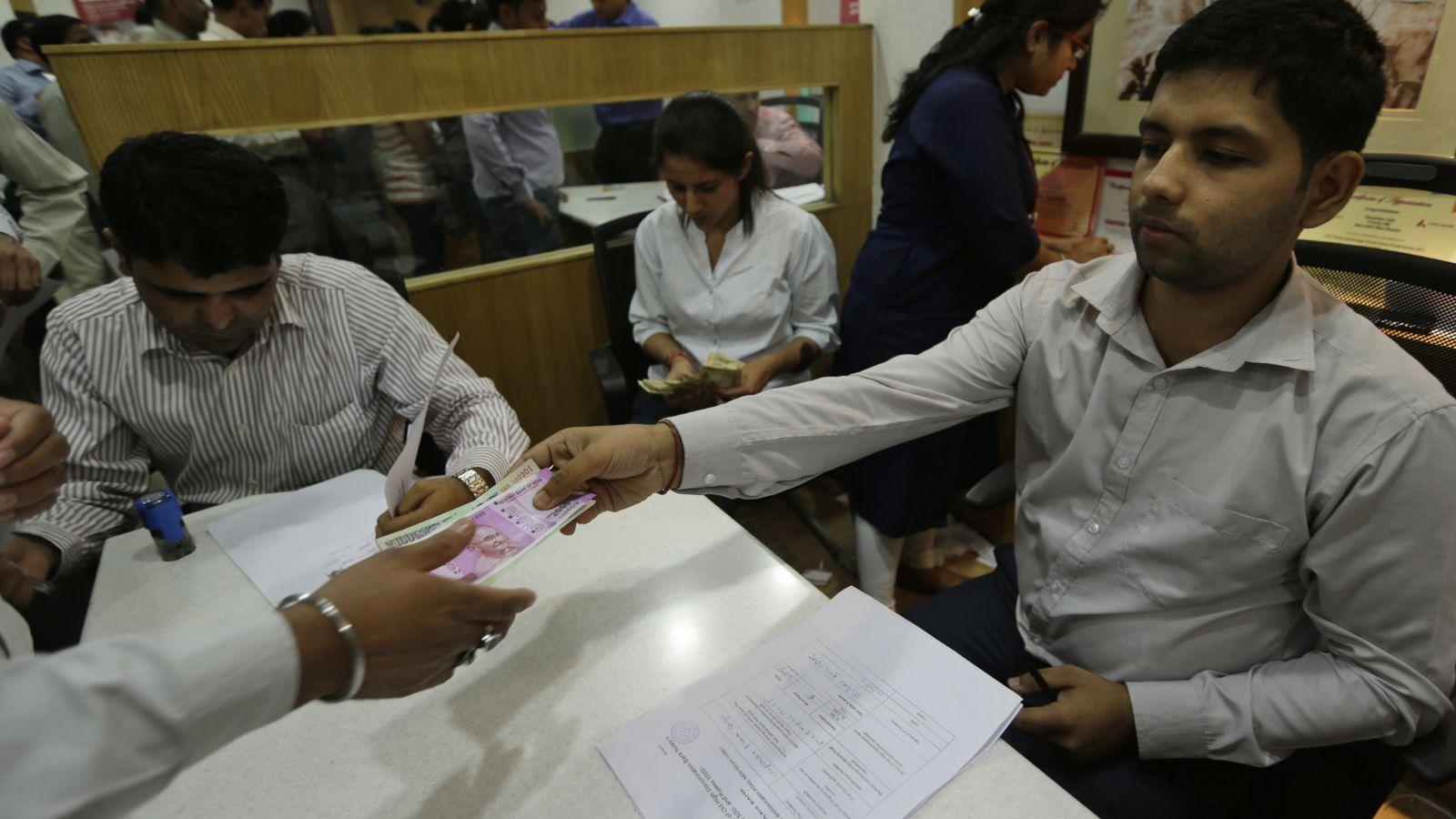 India-money-bank