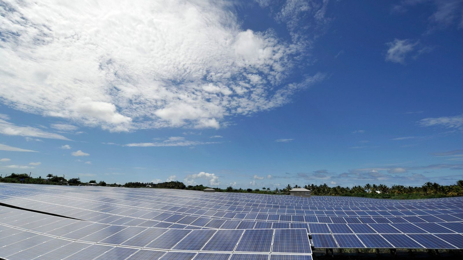 General view of solar panels in a solar plant in Saint Pierre on the French overseas territory of La Reunion January 19, 2010.  REUTERS/Gerard Cerles/Pool  (REUNION - Tags: ENVIRONMENT ENERGY) - PM1E61J0V9G01