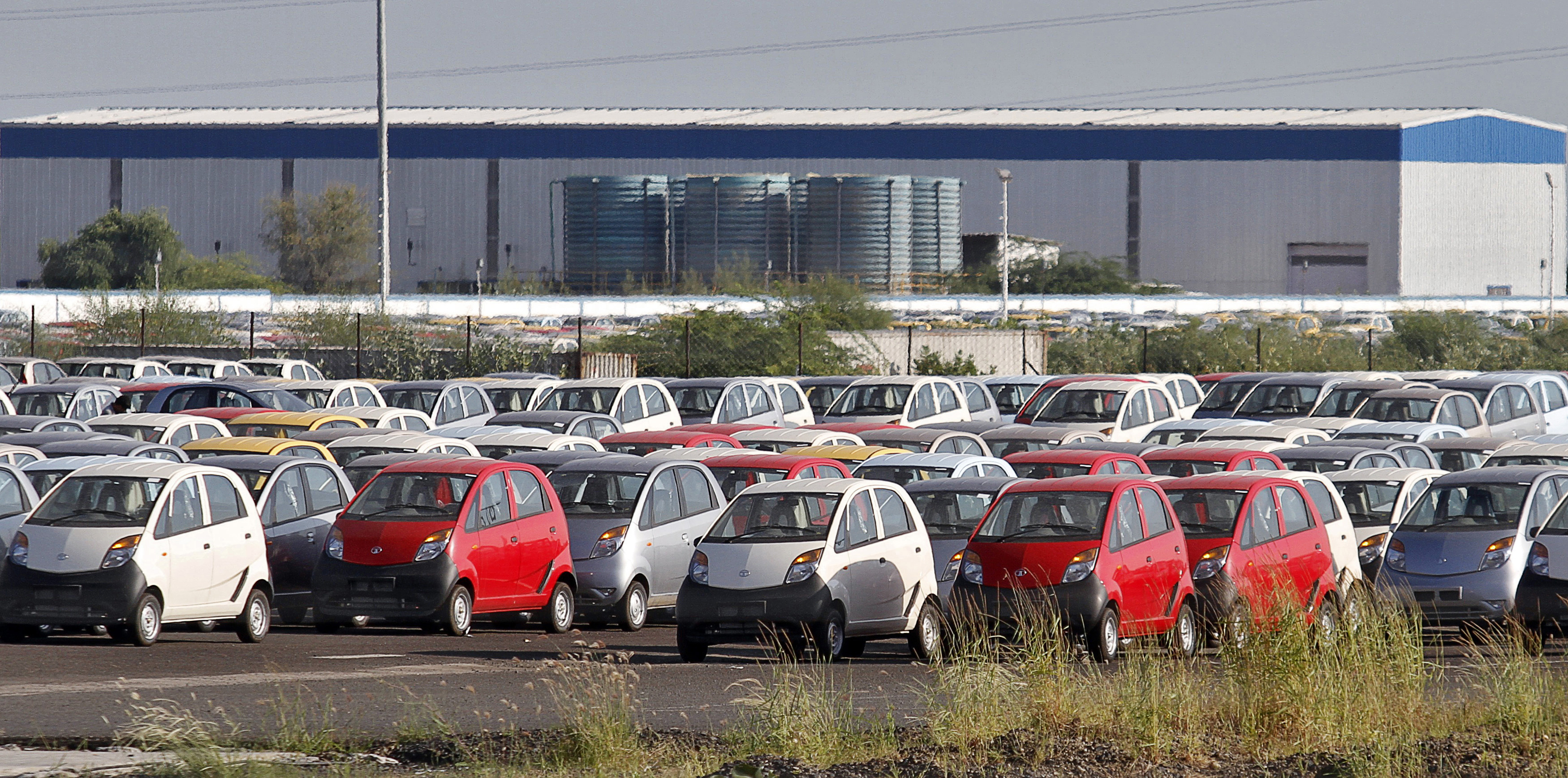 To match INSIGHT - Indian state rolls out red carpet for carmakers