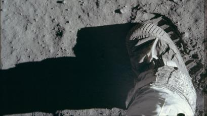 Extremely high-res outtakes from Apollo 11's 1969 moon