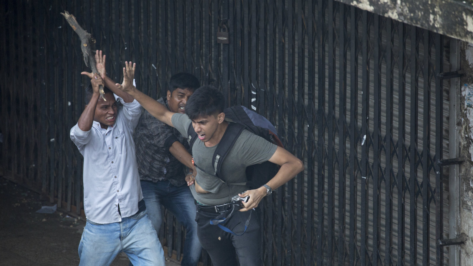 Bangladesh-student-protests-press-freedom