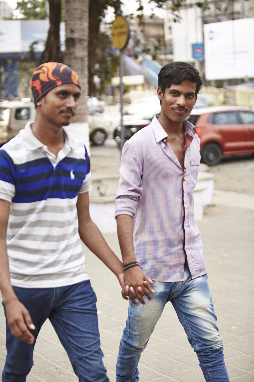 Vincent Dolmans photos of Indian men holding hands
