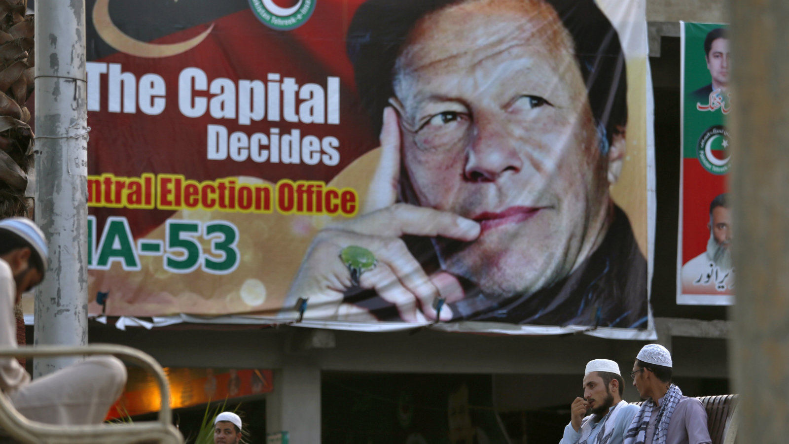 Imran Khan Starts Off As One Of Pakistans Weakest Prime Ministers