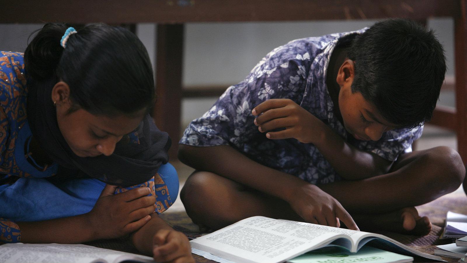 India-reading-skills-children-school