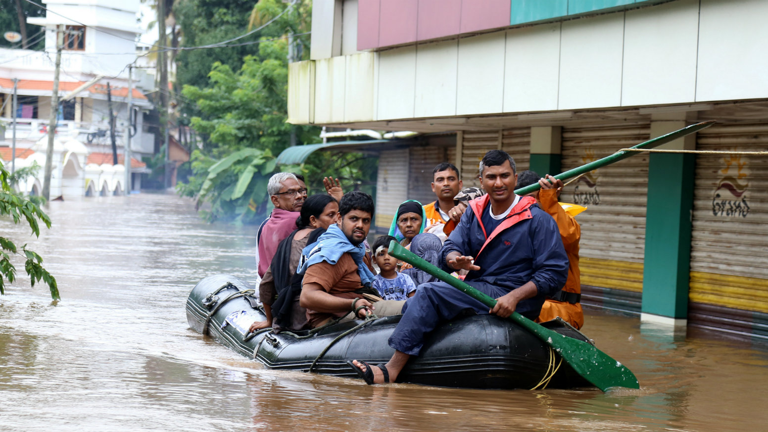 Keralas News Channels Show How To Cover A Disaster Responsibly