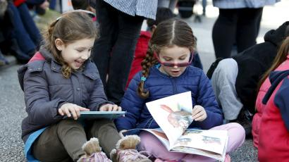 How to help your kids read more books — Quartz