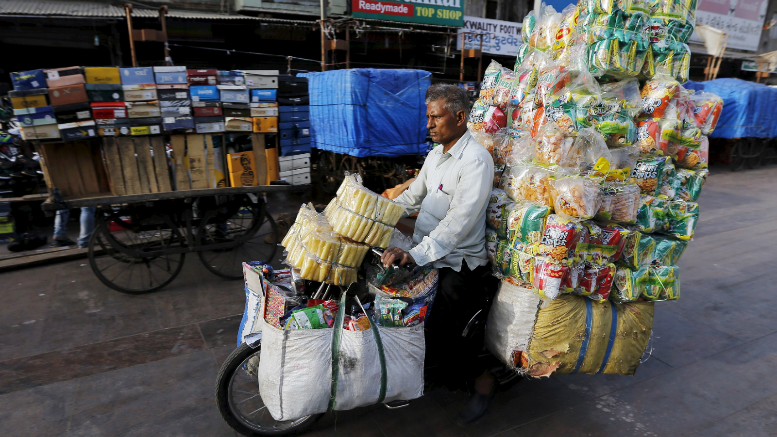 Moped sales dwindle as Indians go for motorbikes — Quartz India