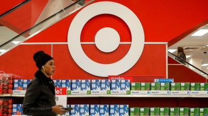 Shoppers are seen in a Target store in the Brooklyn borough of New York, U.S., November 14, 2017. REUTERS/Brendan McDermid - RC14AF6B91A0