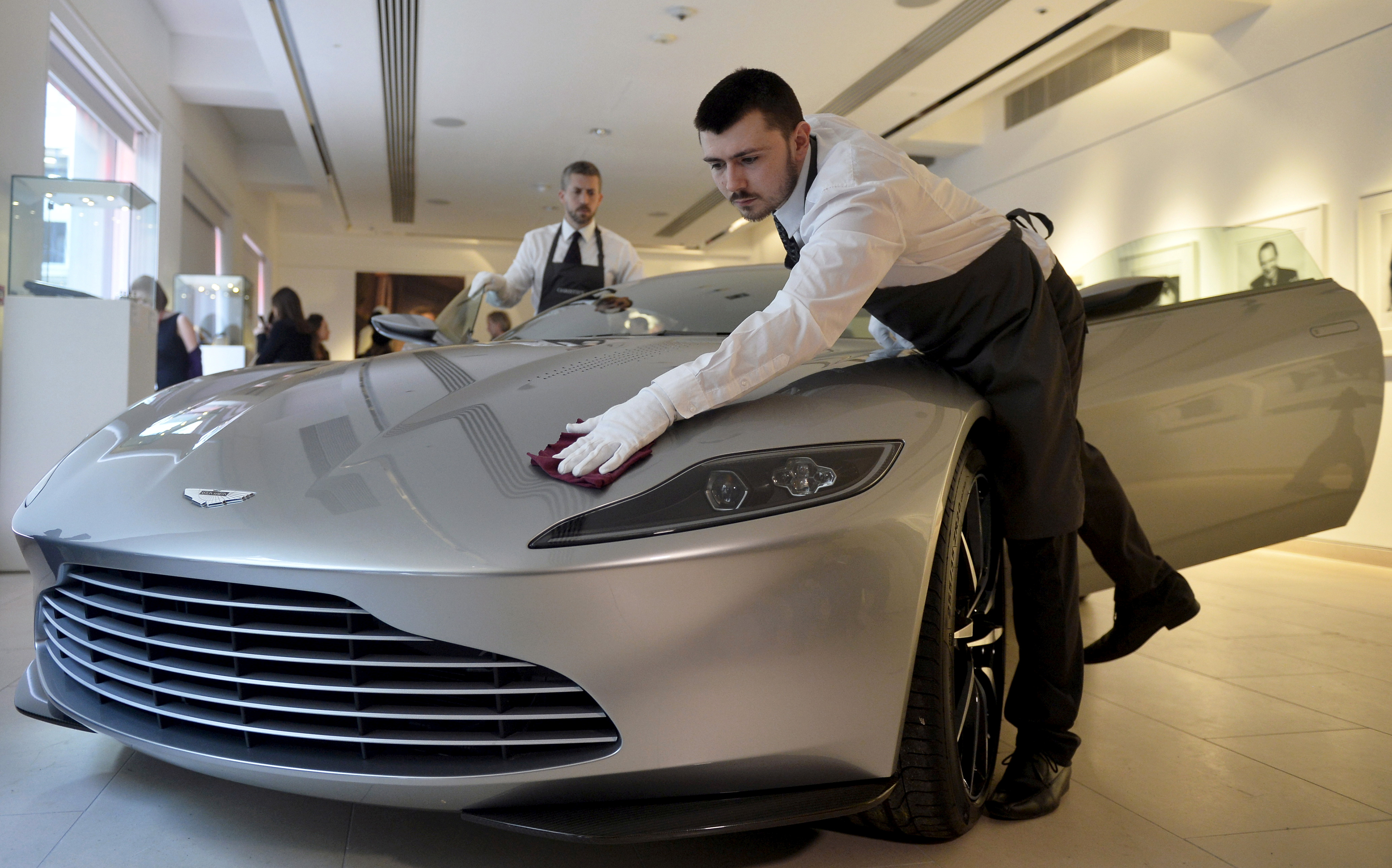 Aston Martin Plans To Squeeze In Its Ipo Before Brexit Quartz