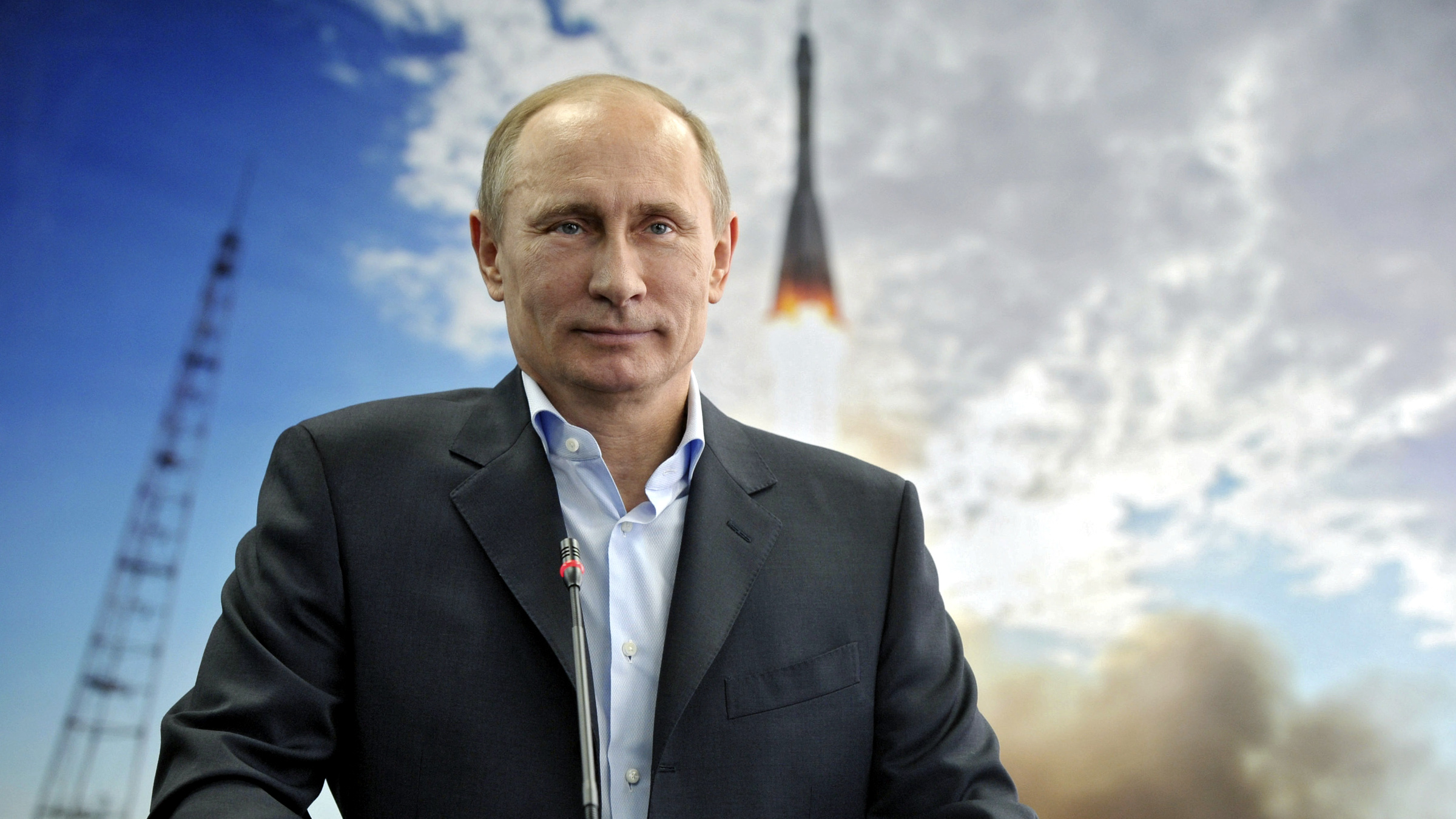 ussian President Vladimir Putin holds a communication session with the crew of the International Space Station (ISS) on Cosmonautics Day during his visit to the Amursk Region, April 12, 2013.