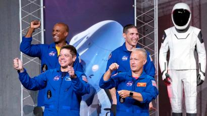 who are the astronauts in space right now - photo #31