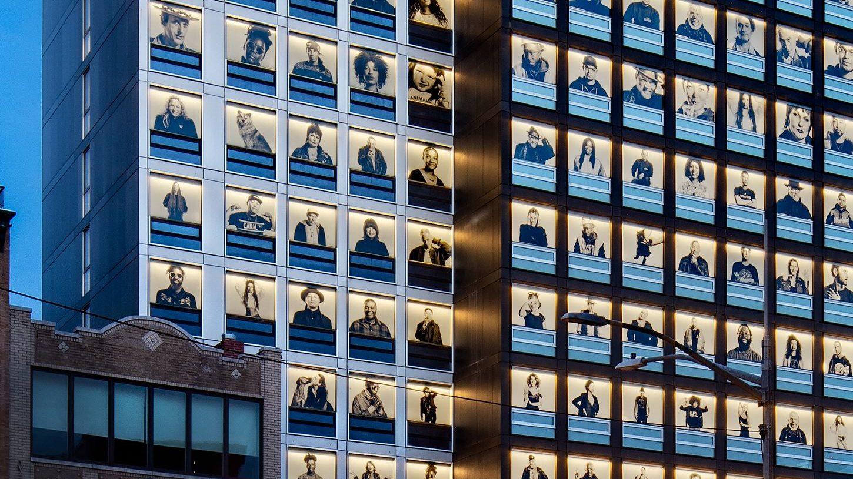 citizenm hotel u0026 39 s homage to new york city u0026 39 s gentrifying bowery neighborhood  u2014 quartz