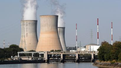 the hidden water footprint of fossil fuel and nuclear power plants