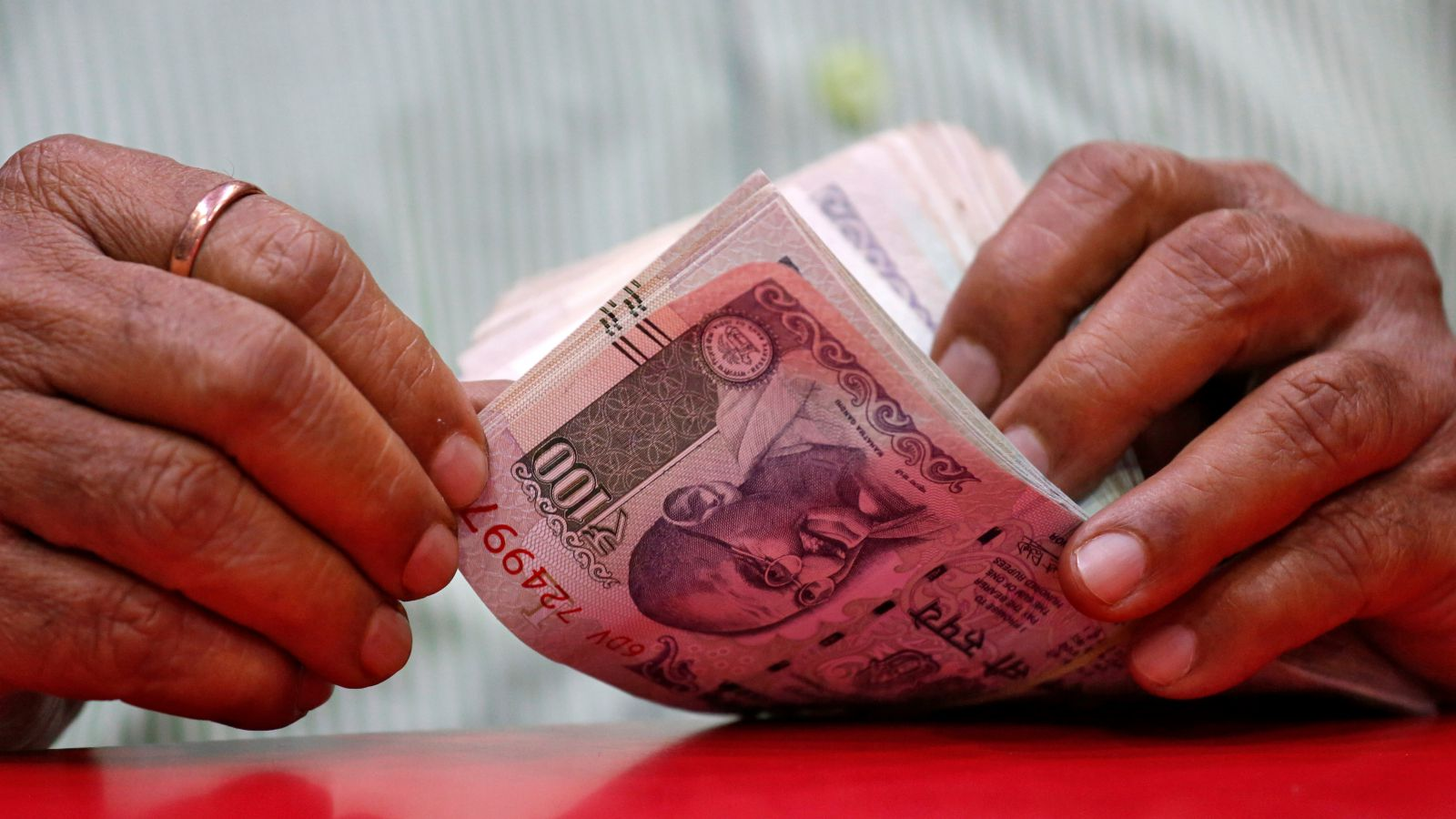 Indian Rupees Slide May Only Worsen In 2019 Quartz India