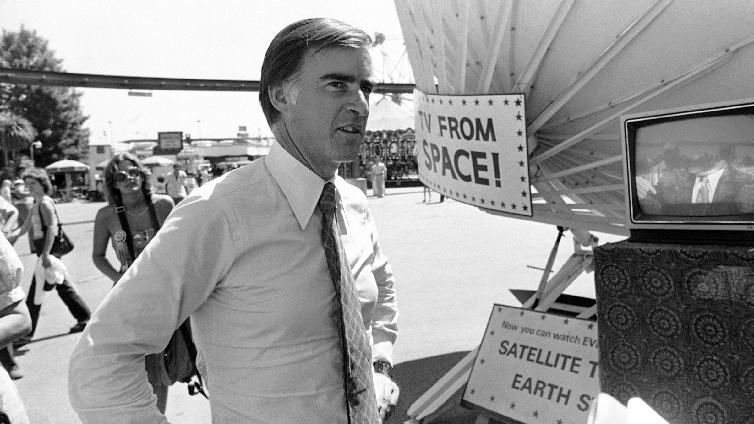 California Gov. Jerry Brown Jr. checked out a satellite dish for receiving television signals during a visit to the state fair in Sacramento, Calif., Aug. 30, 1981. The former Democratic presidential candidate is still considered a significant political force in California.