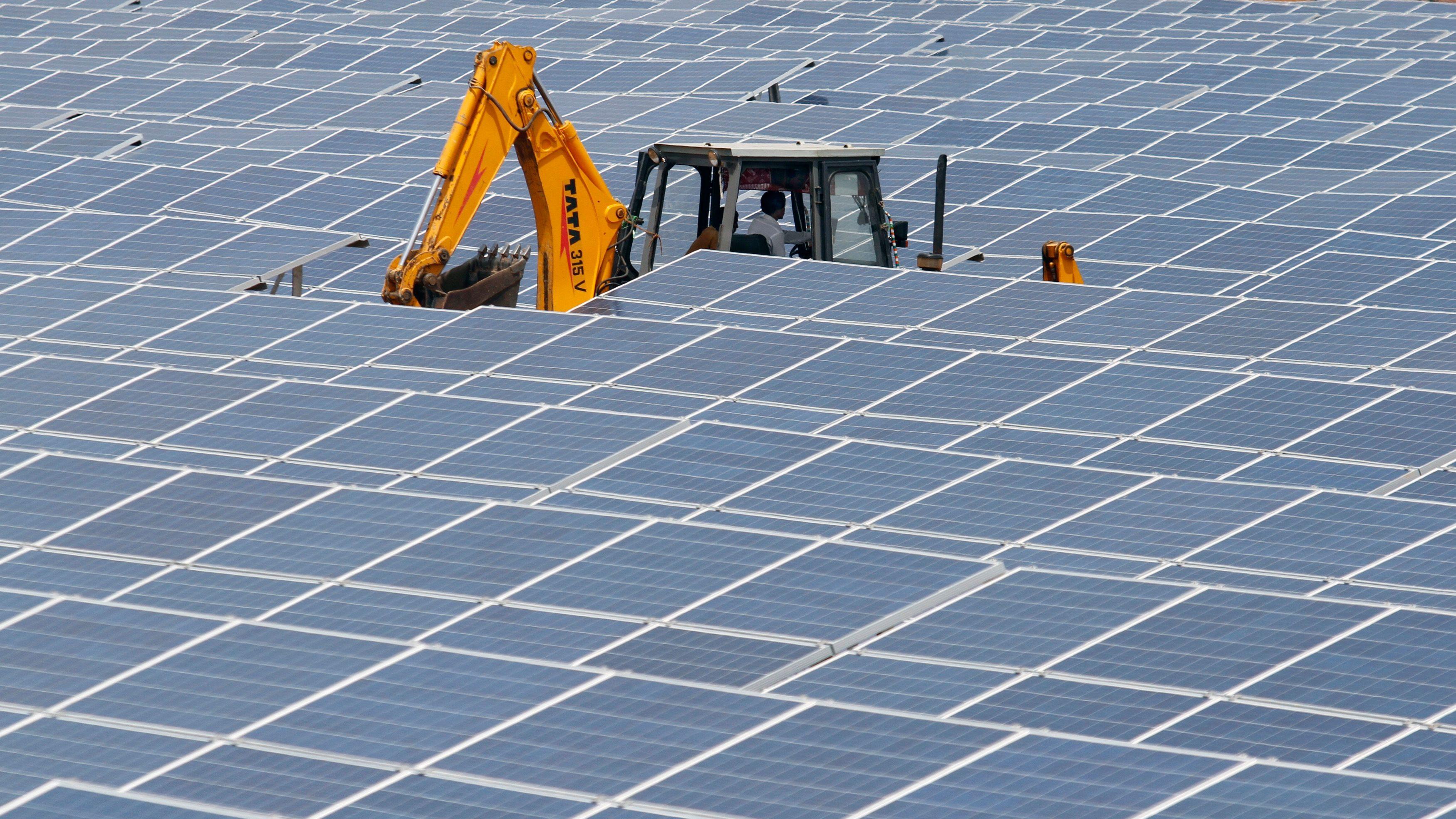 Indias Solar Power Boom Trips On Policy Hurdles Quartz India