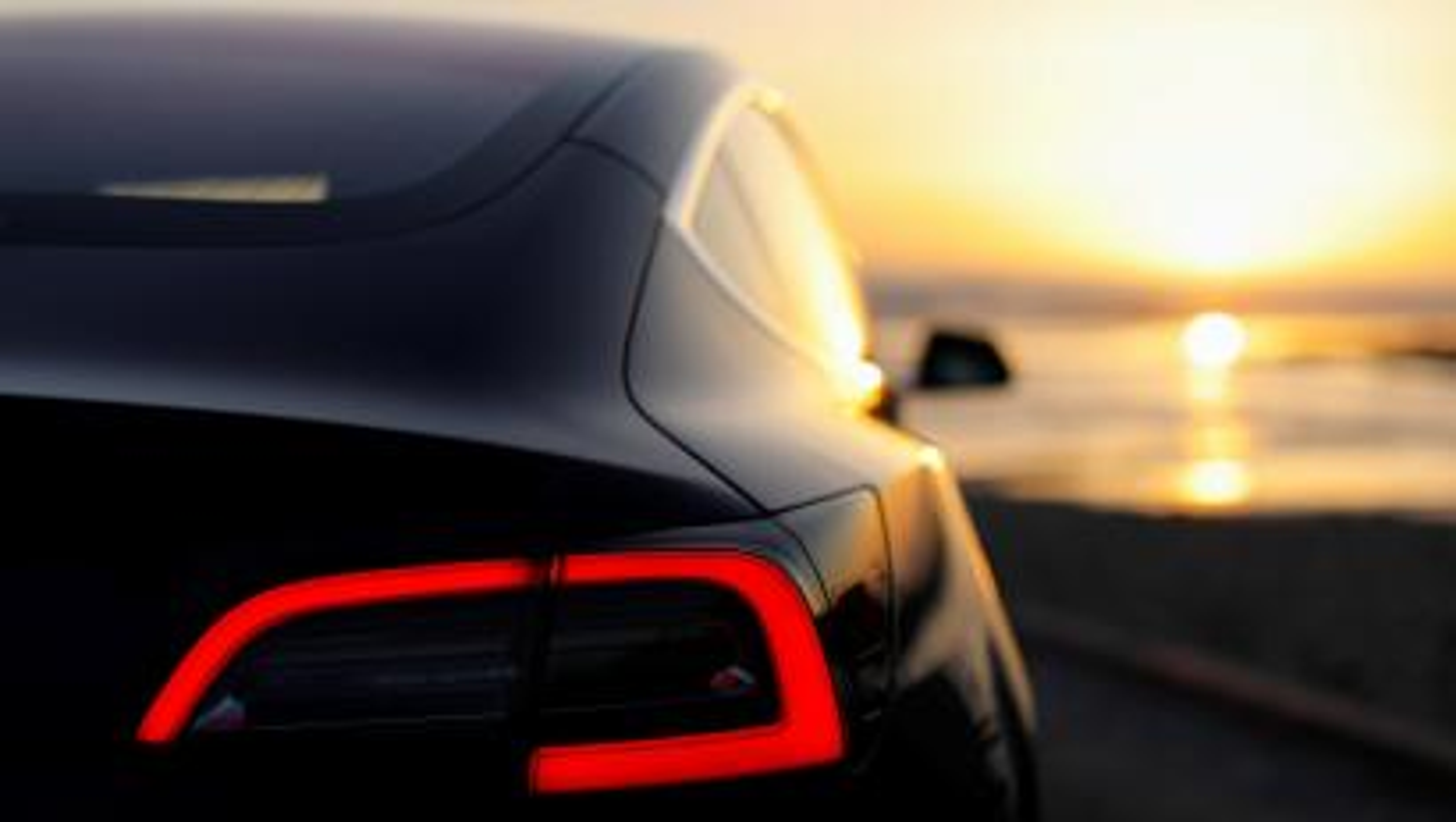 Watch Tesla's Autopilot