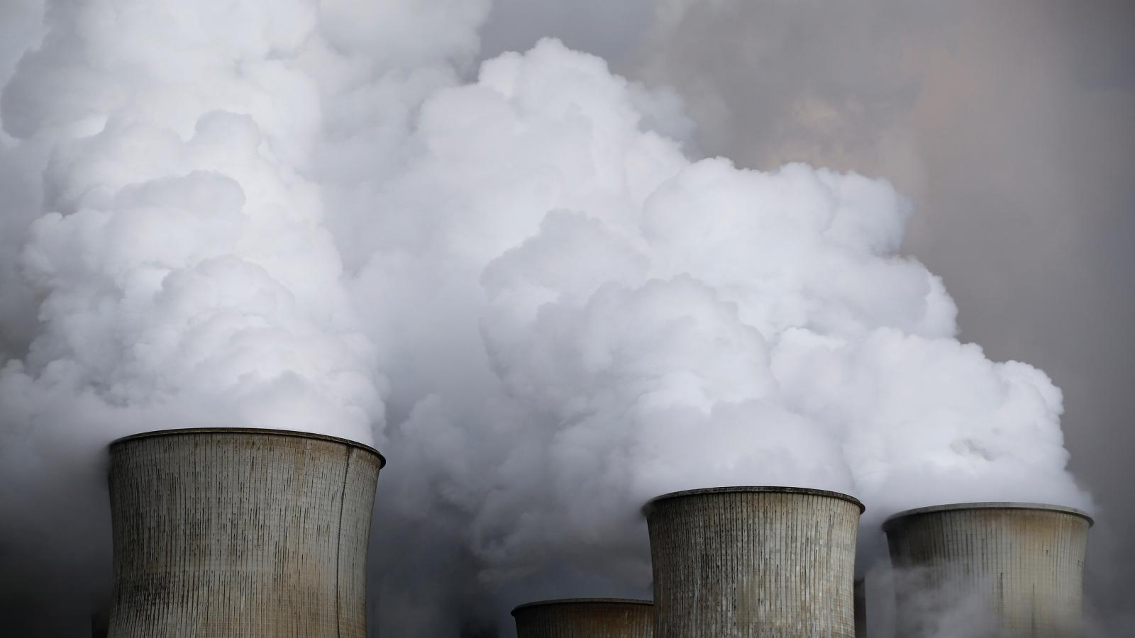 China's provinces building coal plants in defiance of