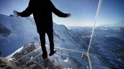 the glass cliff