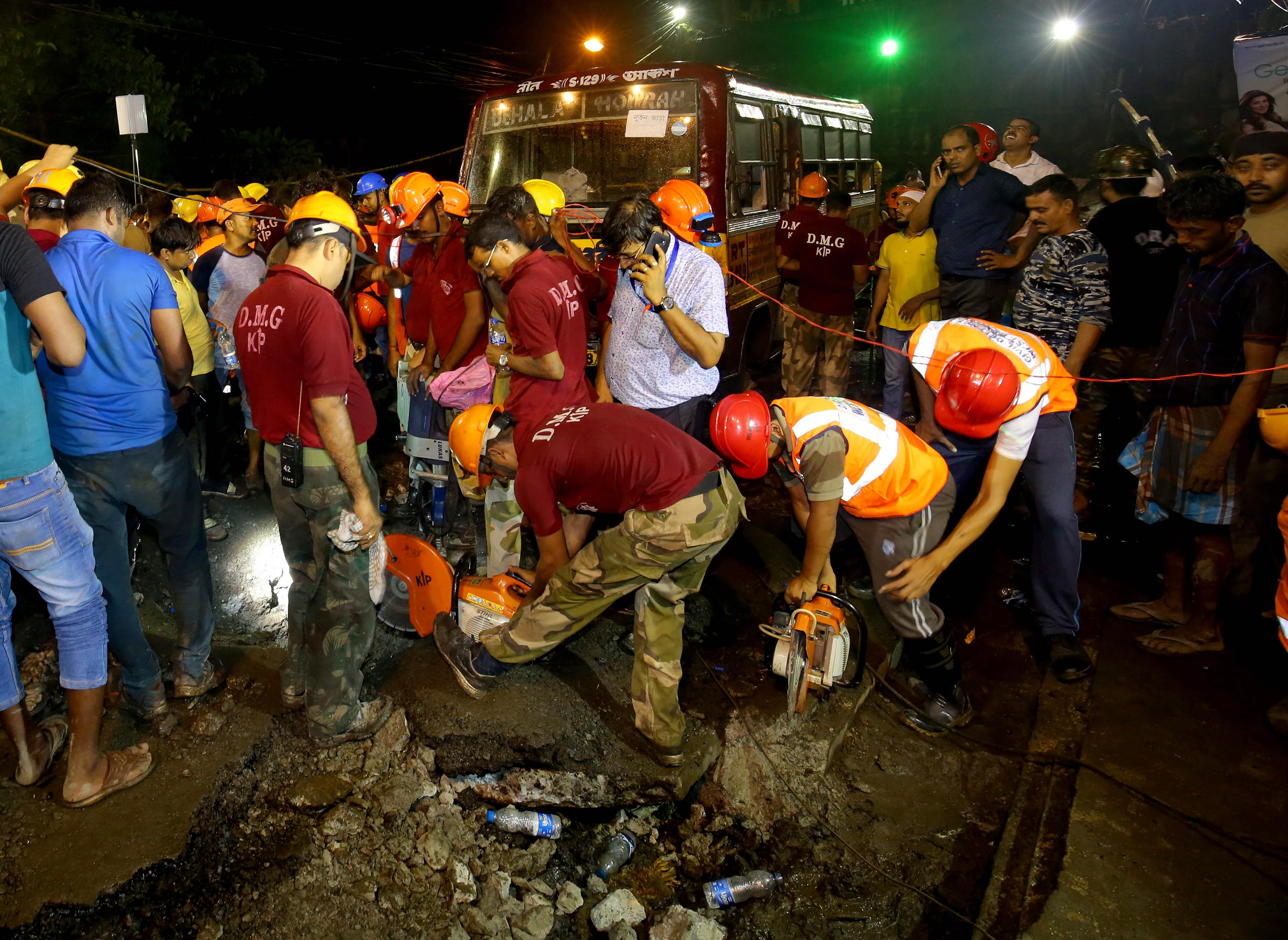 Kolkata-bridge-collapse
