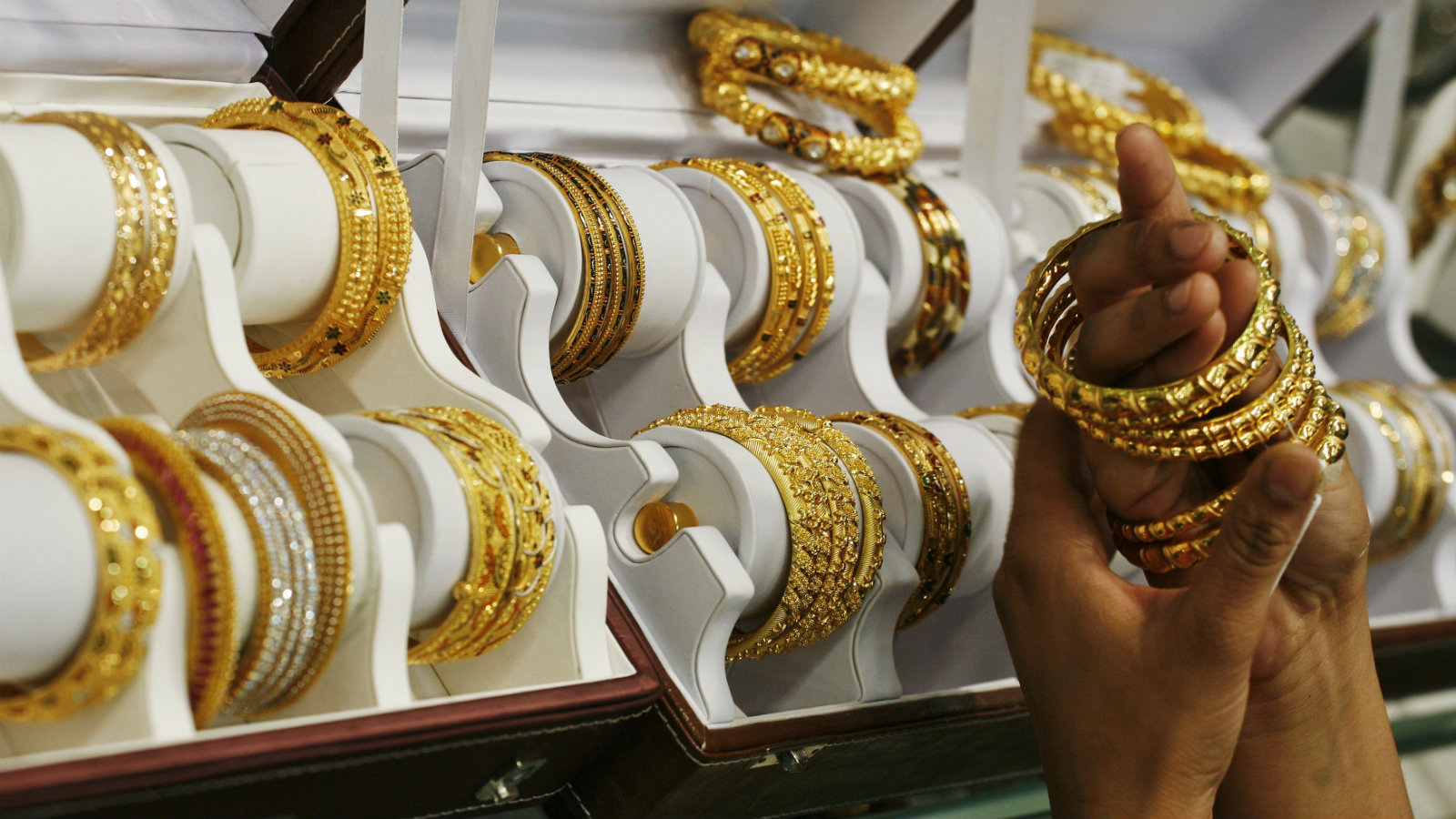 India-women-gold-dowry