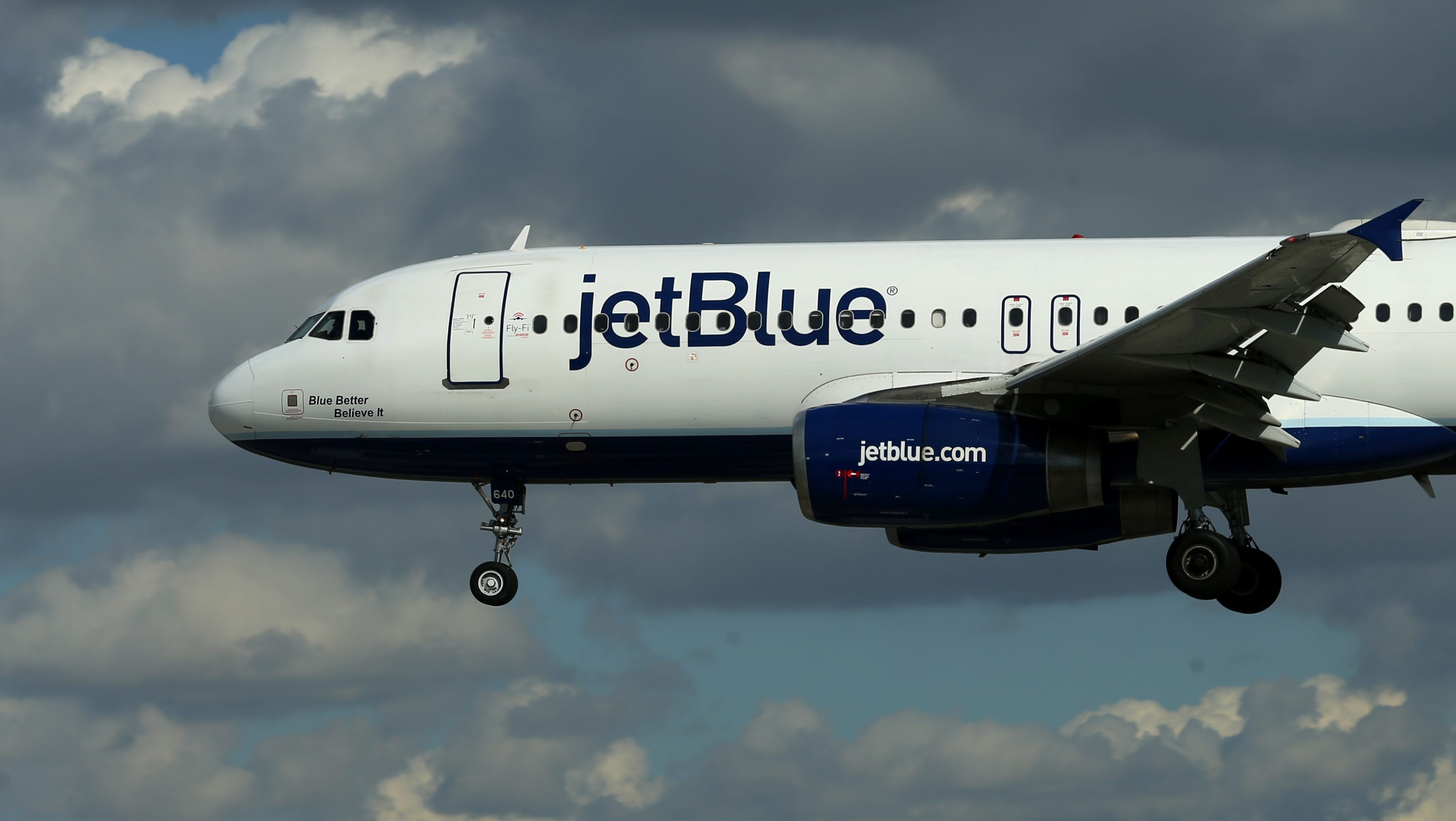 e717e30f05 JetBlue is charging more for checked bags because it hates raising fares