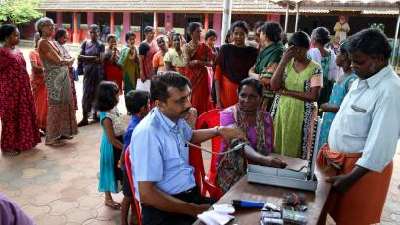 India-kerala-flood-medical-health-leptospirosis
