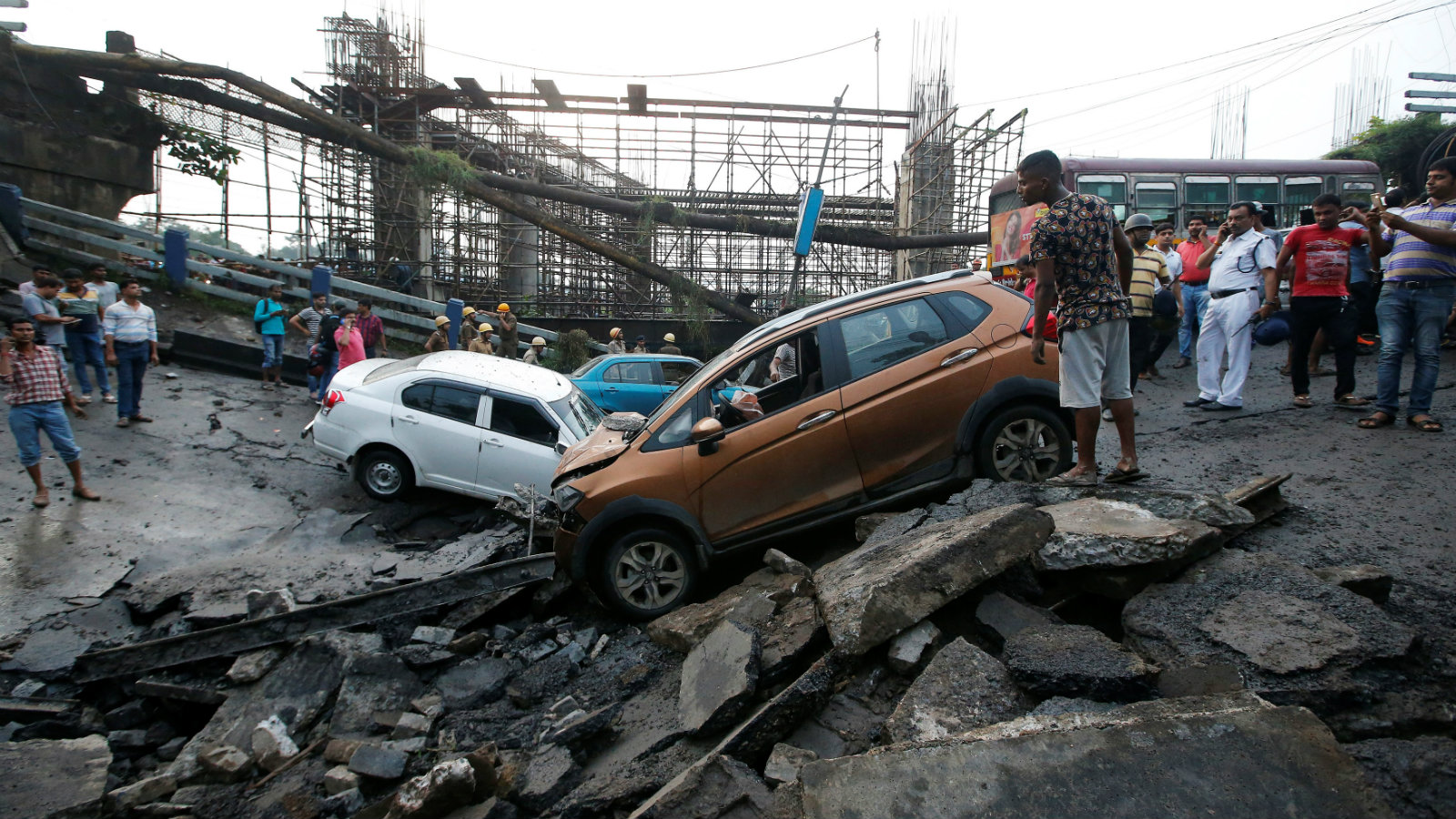 Kolkata bridge collapse kills one and injures over 30 in India