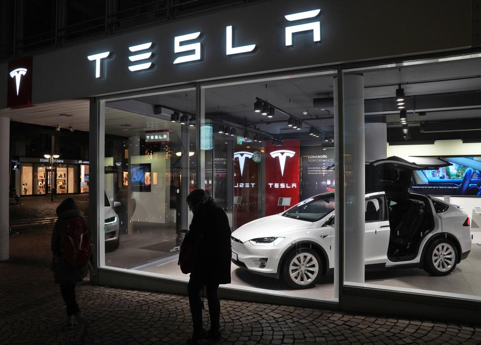 Tesla's supply management head leaves amid executive exodus