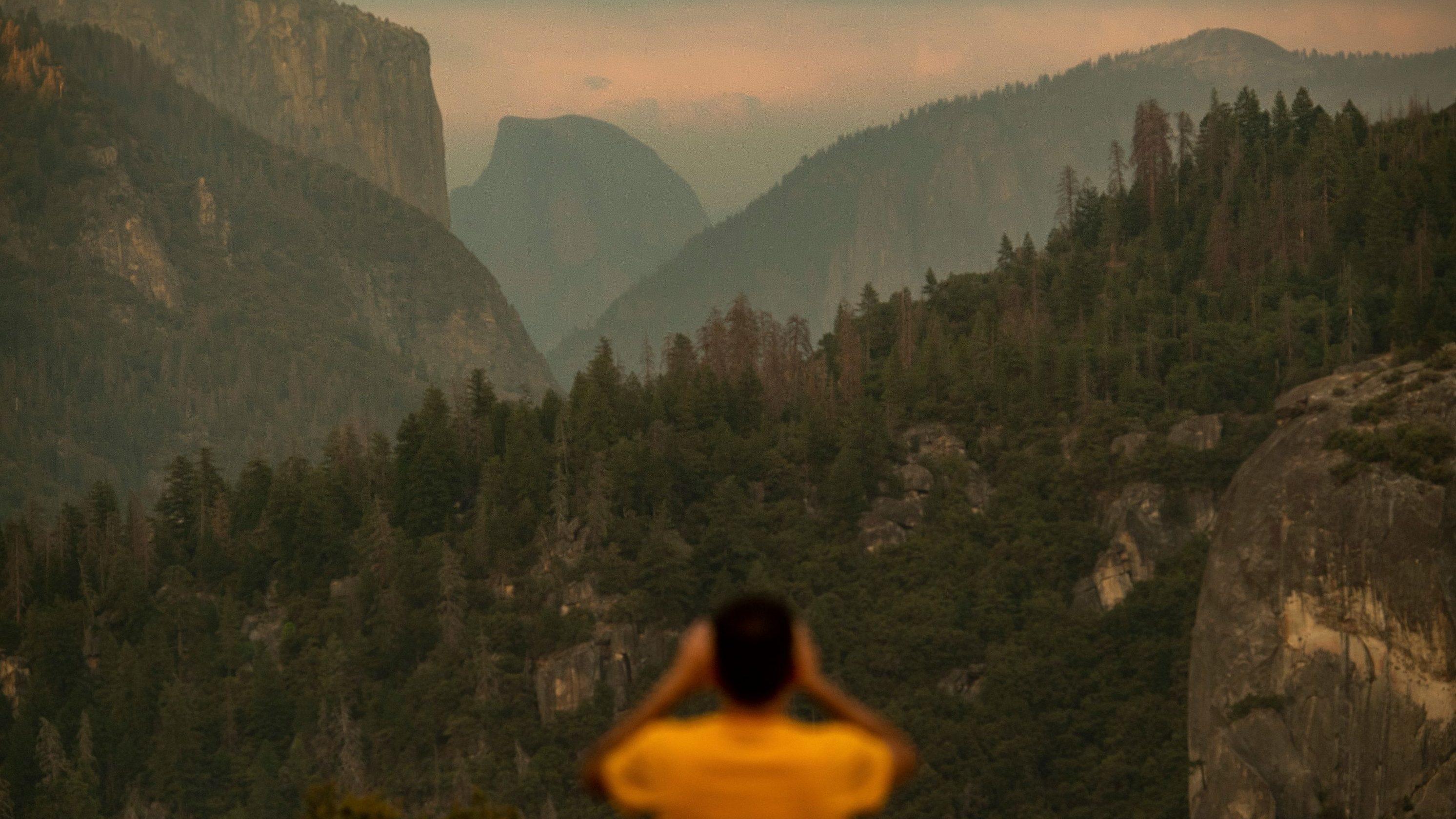 Smoke from Ferguson Fire hangs over Yosemite National Park
