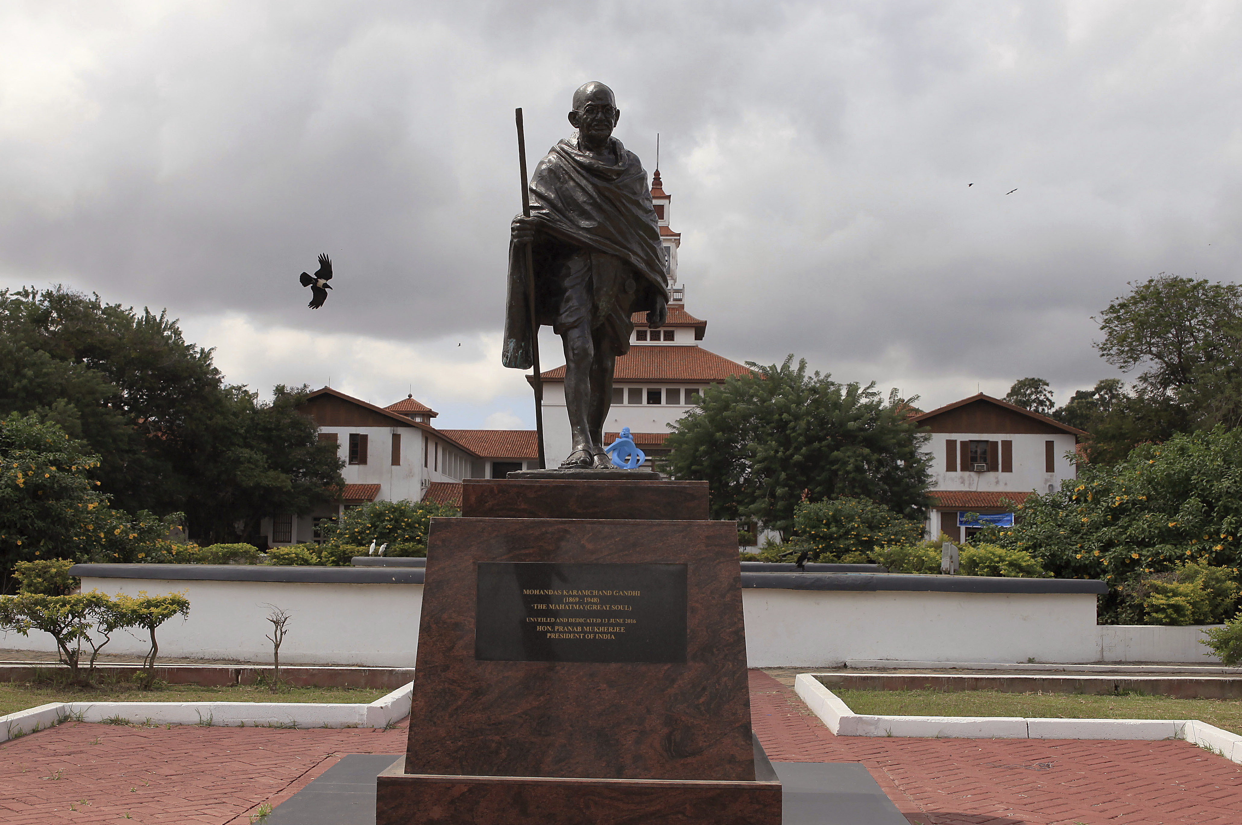 Malawi protestors dont want Gandhi statue from India