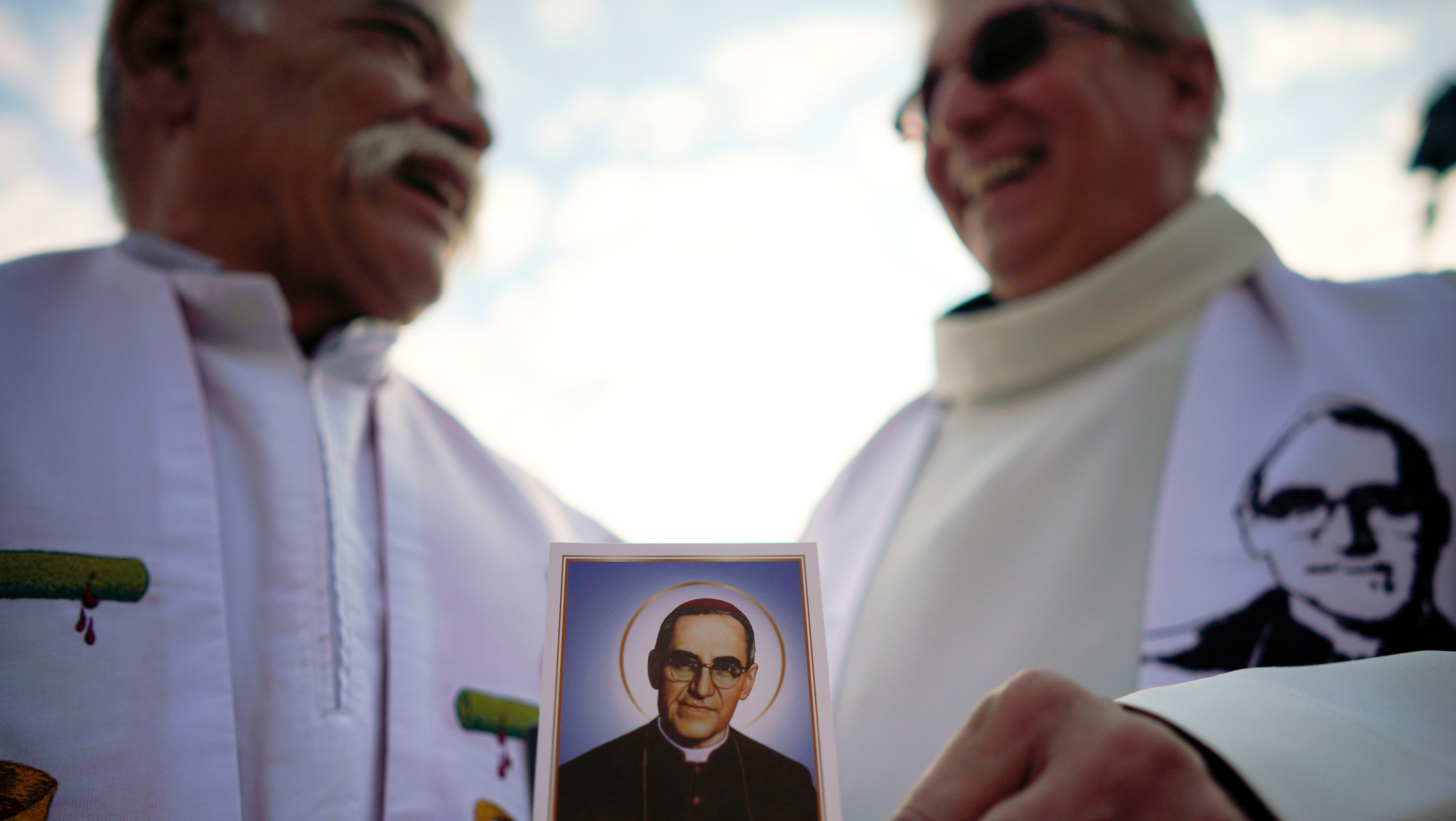 pope francis names new saints bishop oscar romero pope paul vi