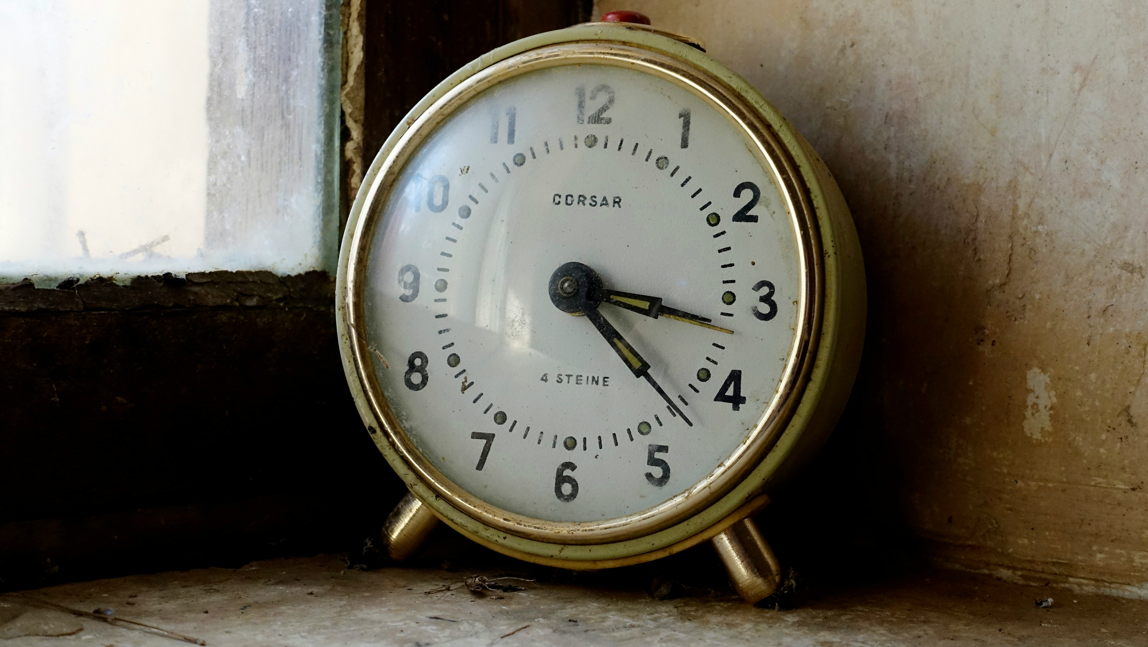An old clock.