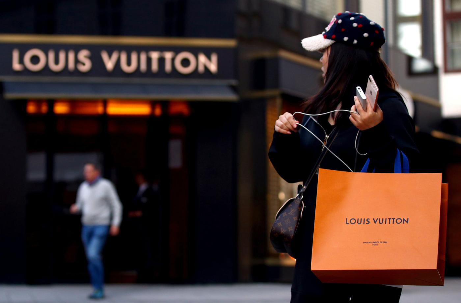 Even a fake Louis Vuitton is a status symbol in India — Quartz India 932d1647ae9ba