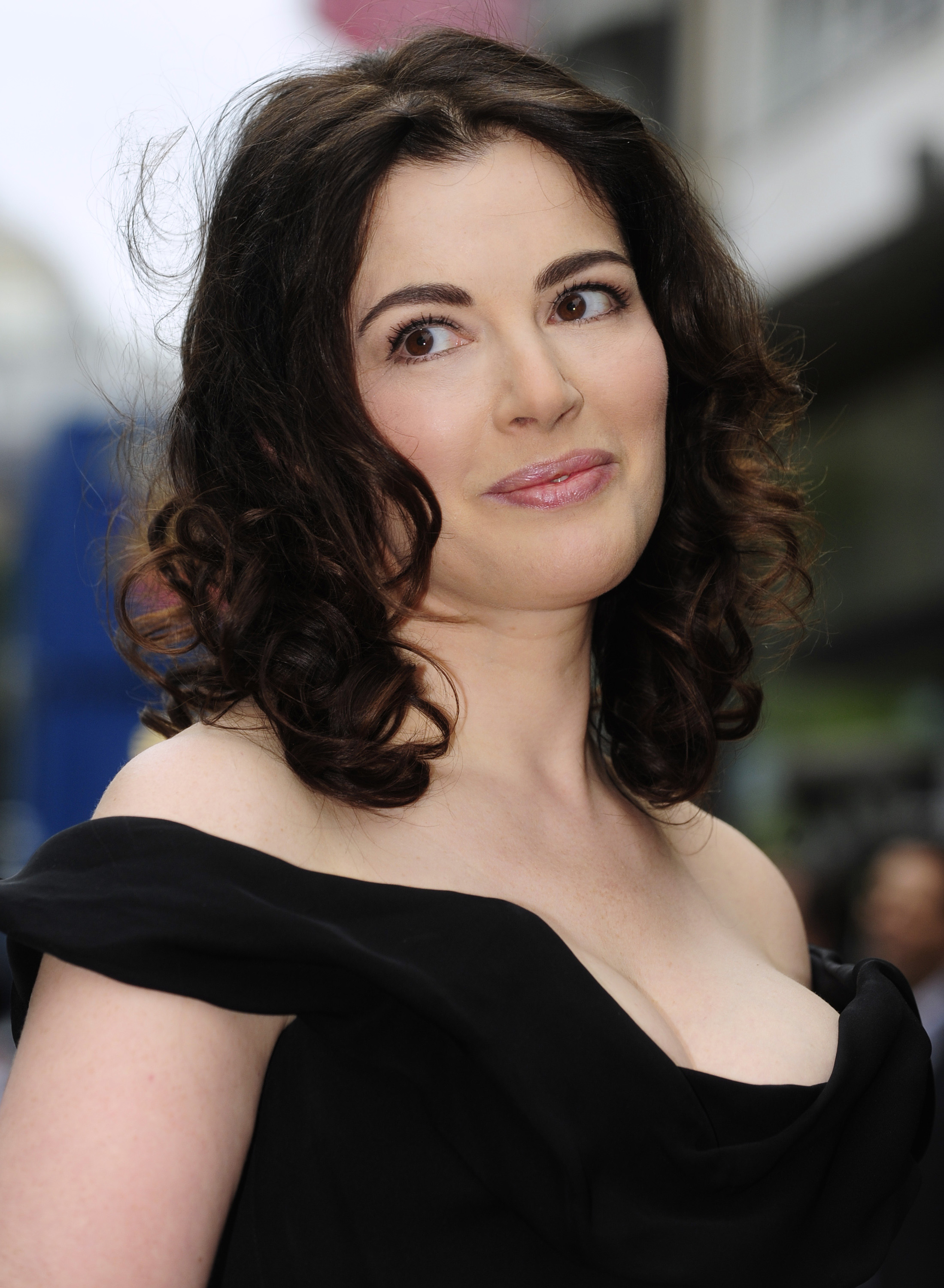 Why Nigella Lawson Wrote How To Eat Quartzy