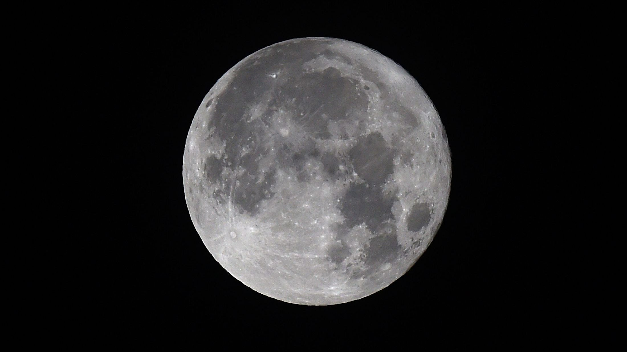 Picture of the full moon tonight