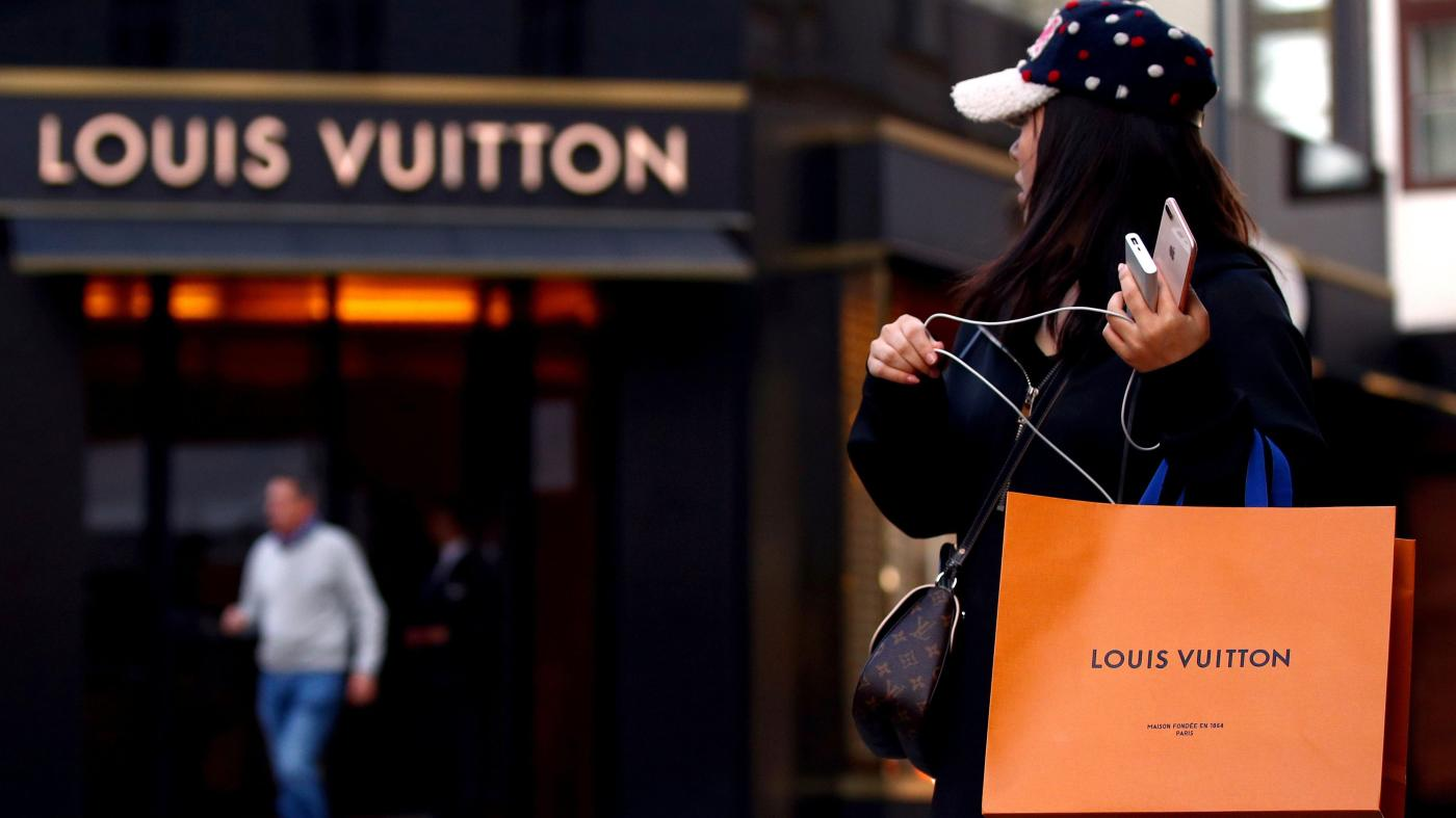 6ccbf9564e9 Luxury labels like Gucci and Cartier going direct-to-consumer — Quartz