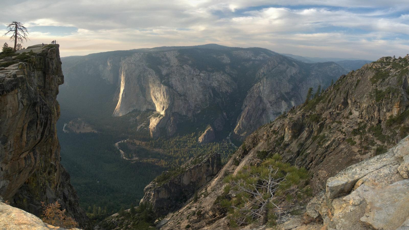 Yosemite-Taft-Point-travel