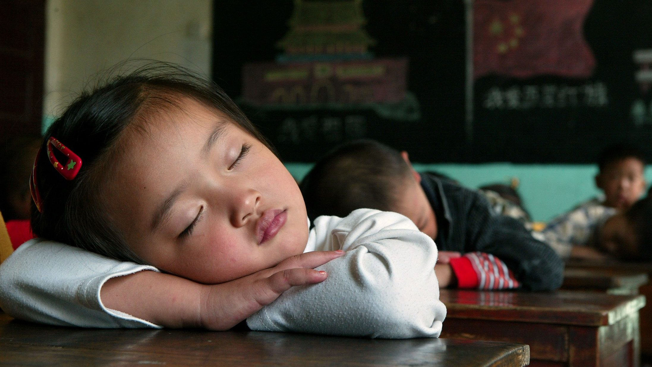 Sleeping with parents helps the child avoid obesity
