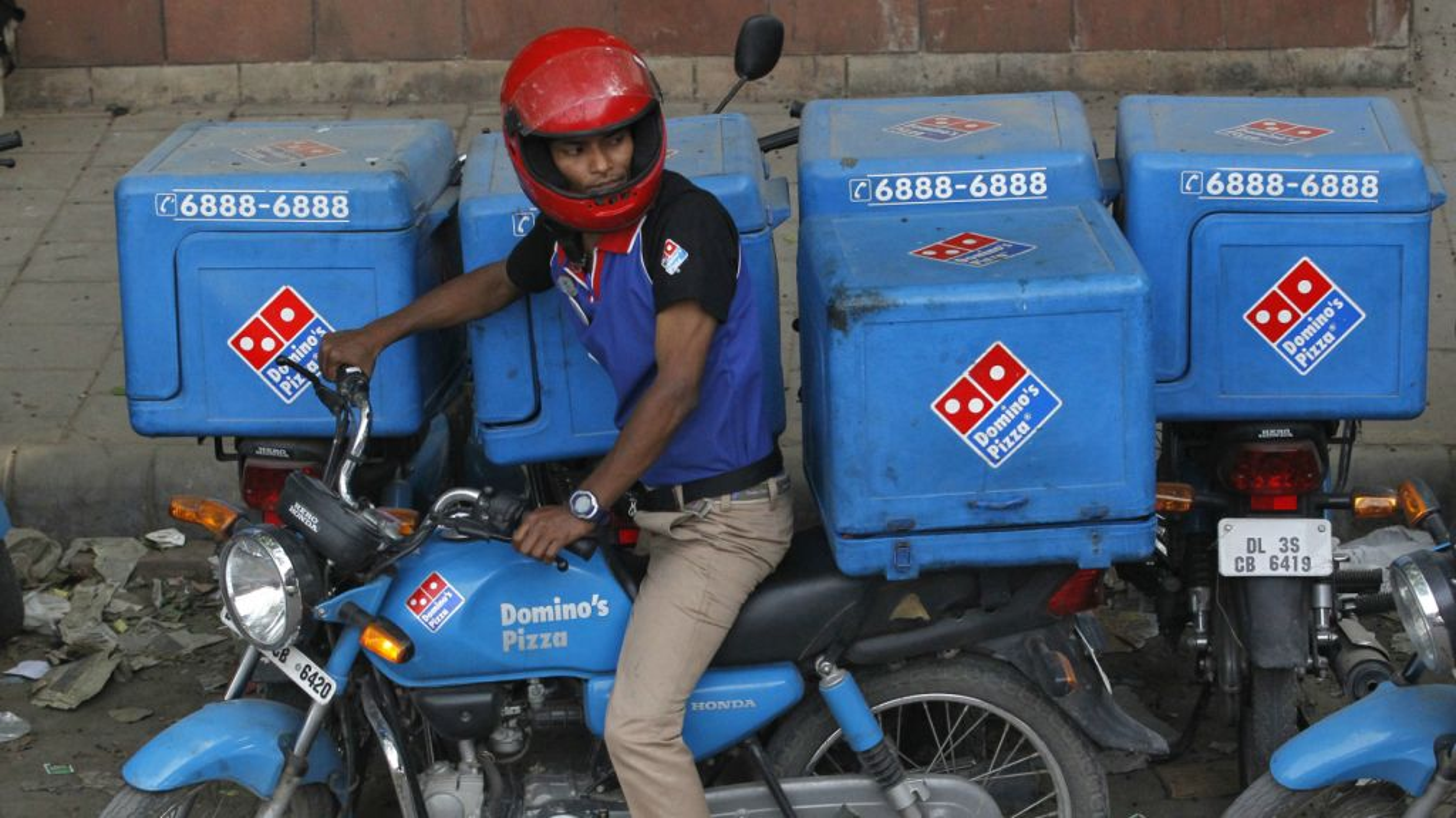 India, Domino's