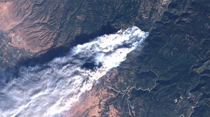 A true-color version of the Landsat image, providing a view of the fire and the state of the surrounding vegetation in the visible wavelengths.